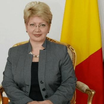 Brandusa Predescu