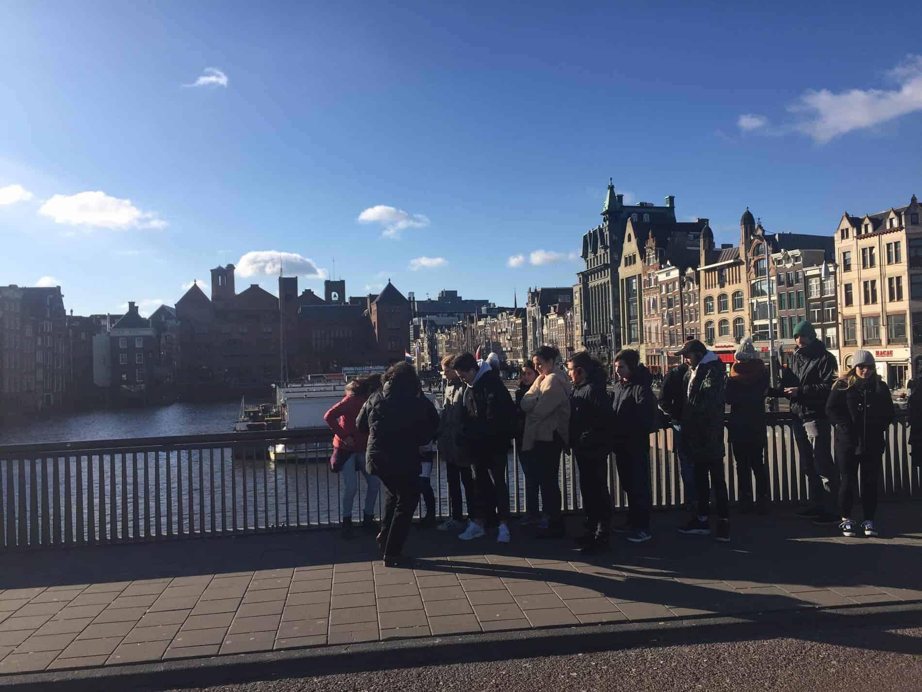 Despre turul prin Amsterdam pentru adolescenți