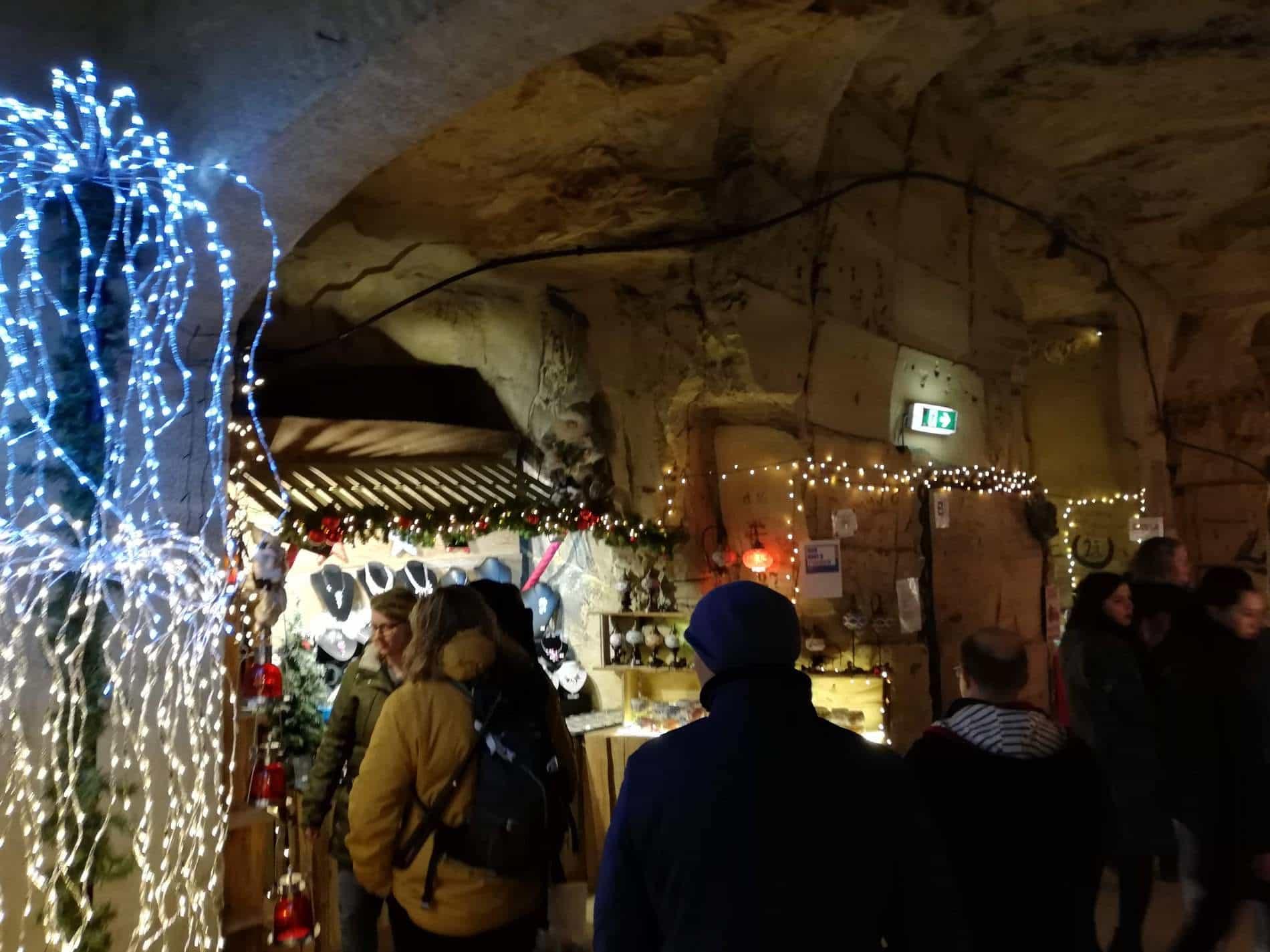 Târgul de Crăciun din peșterile Valkenburg